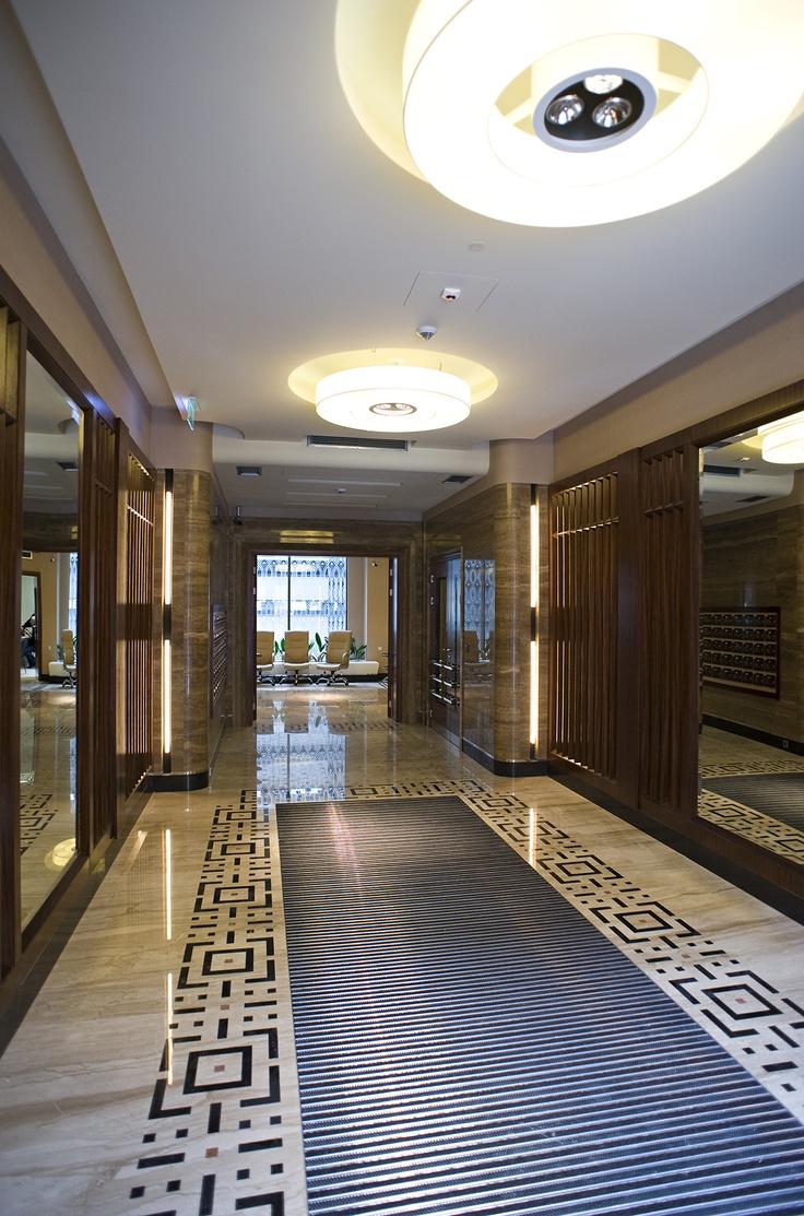 Grand entrance @Foksal Residence