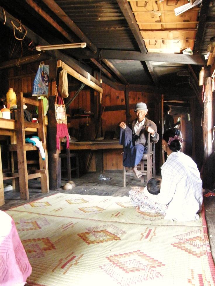 Khone La - Myanmar - A house to rest along the way