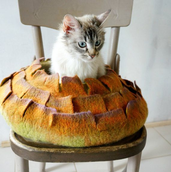 Cat bed Wool cat bed Inspiration from nature by VaivaIndre on Etsy