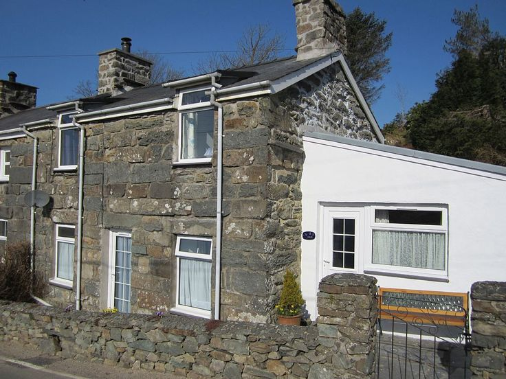 Traditional Stone Cottage in Snowdonia, Gwynedd, North Wales . Holiday cottage for rent from £75/PN with the added security of our fraud protection.