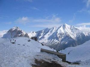 Le mont de Lala Khedidja, 2203 m d'altitude, Tikjda