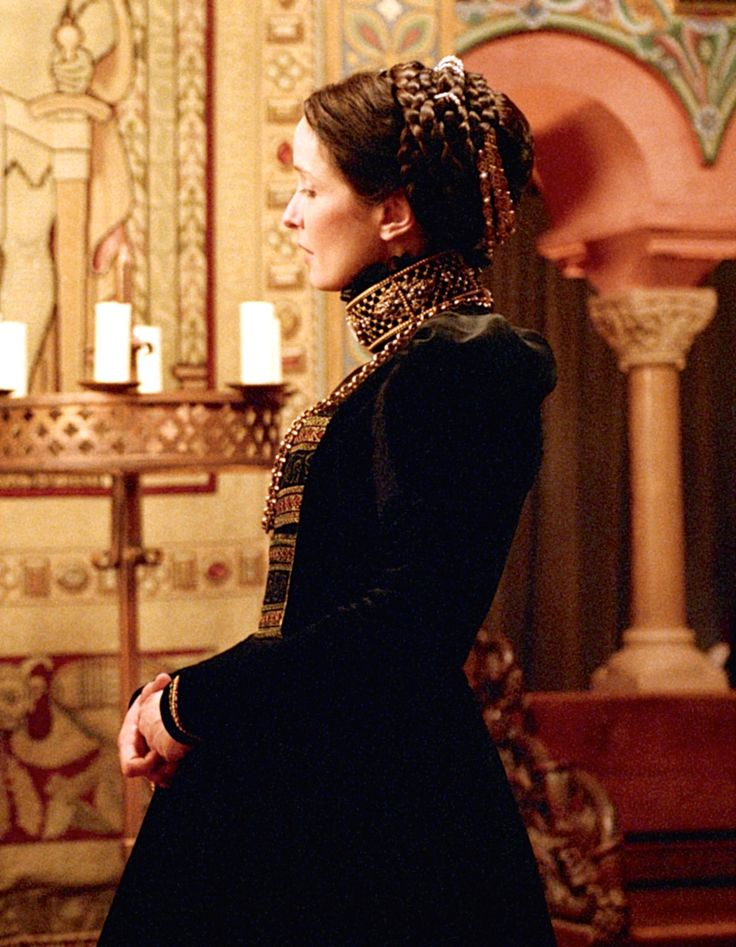 Julie Delpy as Elizabeth Báthory in The Countess (2009).