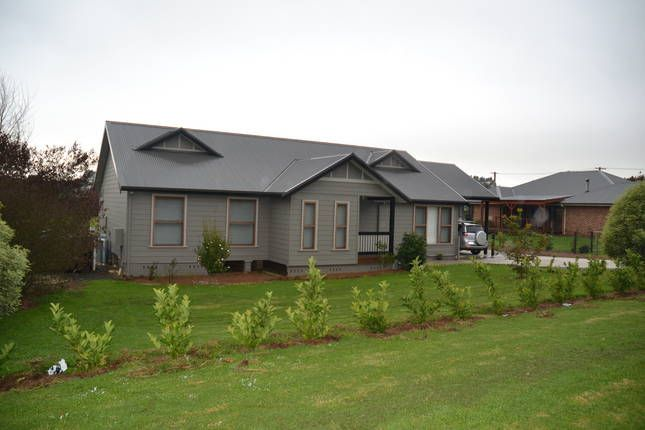 Bluestone Cottage | Robertson, NSW | Accommodation This is a wonderful home for a weekend getaway in the Southern Highlands-