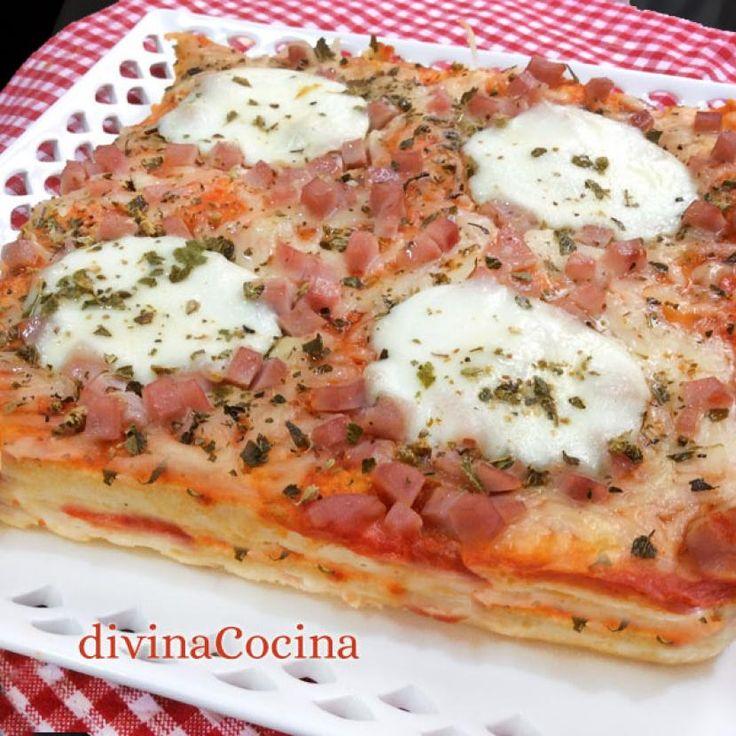 Descubre cómo preparar Pastel de pan de molde estilo pizza de manera fácil y sencilla. Aprende a cocinar con Recetas Fáciles y Reunidas
