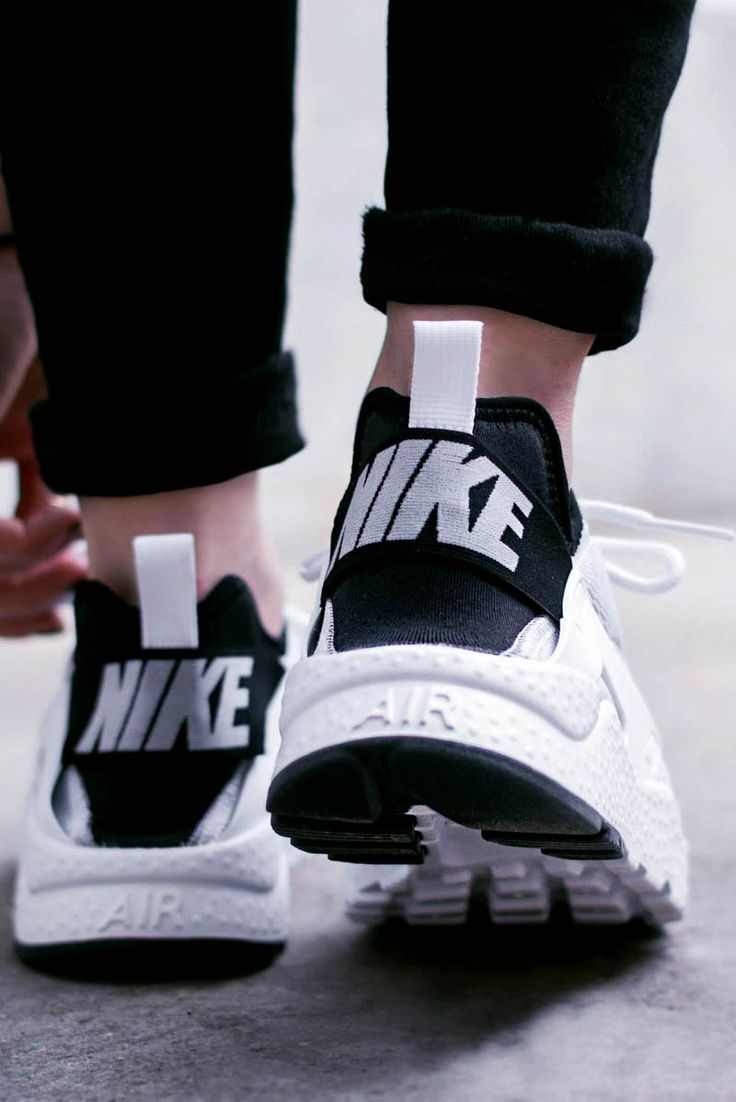 Nike Chaussures Air Huarache Run Ultra Se W Nike