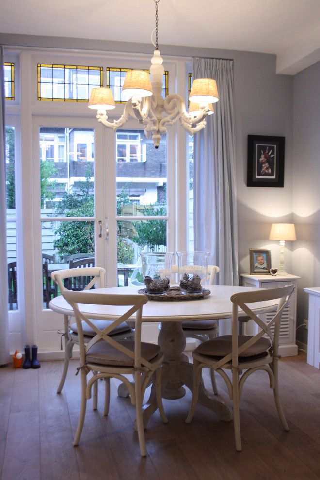 Chandelier White Round Top Dining Table, French Country Round Kitchen Table