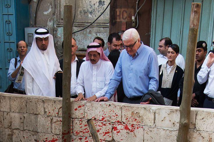 Der Postillon: Saudi-Arabien-Besuch: Außenminister Steinmeier wohnt landestypischer Enthauptung bei