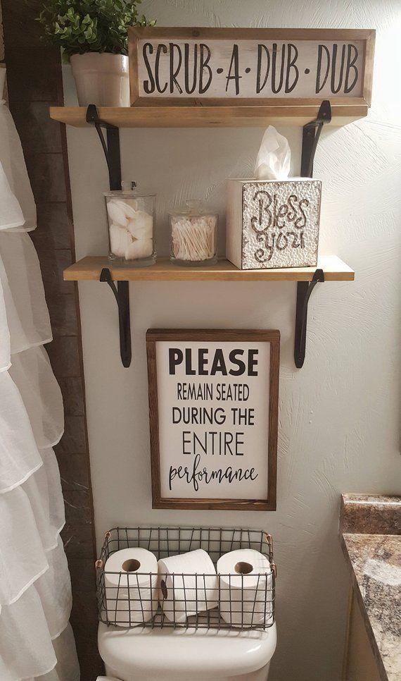 """12×18 """"Por favor, permanezca sentado, letrero de madera, decoración del baño, decoración divertida del baño, baño …"""