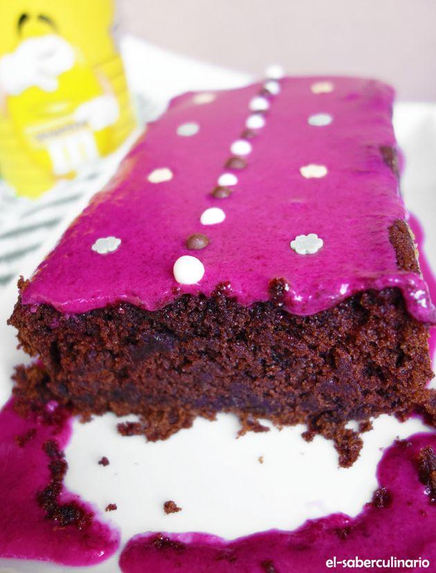 Pastel de remolacha y chocolate | Bizcocho original con frosting de remolacha y limón