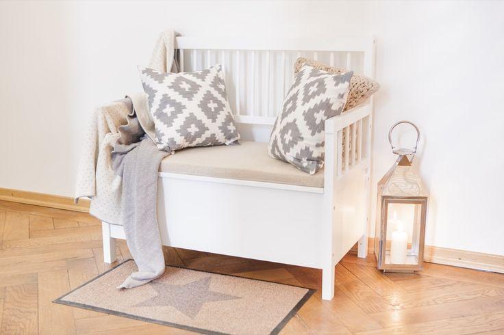 die besten 25 bank flur ideen auf pinterest garderobenbank bank mit schuhaufbewahrung und. Black Bedroom Furniture Sets. Home Design Ideas