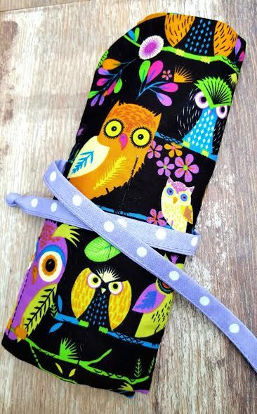 ... Knitting Crochet Needle Holder Roll Pen Pencil Makeup Crayon Organiser