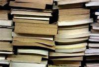 ΑΝΙΧΝΕΥΟΝΤΑΣ τον Κόσμο...: Δείτε πώς φτιάχνονται τα Βιβλία