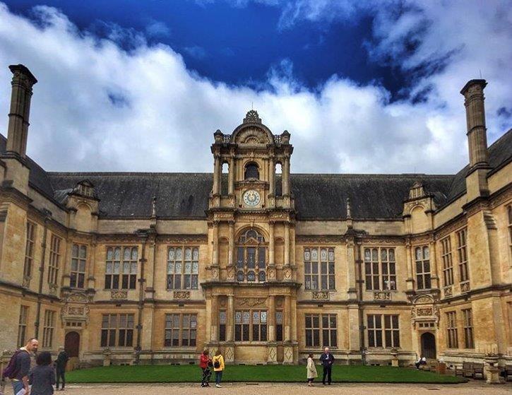 Edificio Principal Universidad
