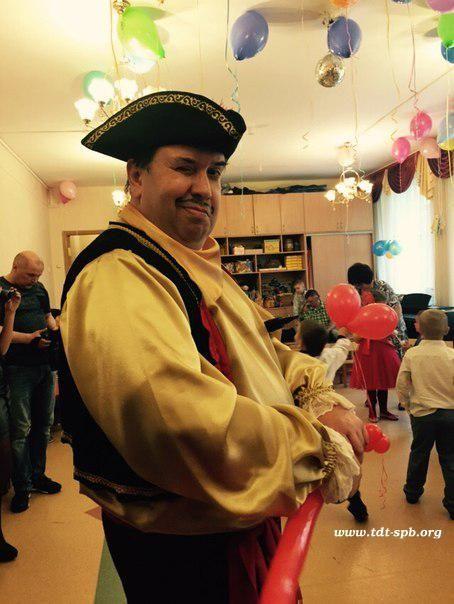 """Выпускной в детском саду """"Пираты"""" с ТДТ Санкт-Петербурга «Йо-Хо-Хо!!!» Вы любите пиратские фильмы? Вас привлекает поиск сокровищ? Не пугают Морские сражения? Тогда этот выпускной для вас!!! К Вам приплывут с острова Тортуги самые настоящие пираты, они набирают нов�"""