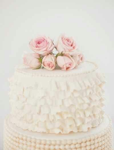 Beautiful Shabby Wedding Cake
