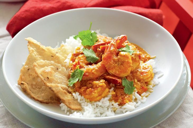 Coconut Prawn Korma Recipe Main Dishes with sunflower oil, onions, ginger, large garlic cloves, red chili peppers, curry paste, lemon juice, chopped tomatoes, caster sugar, coconut cream, prawns, steamed rice, coriander, cumin, pappadams