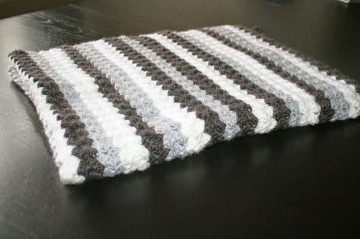 ByCristianne: Makkelijk te haken, baby deken met gratis patroon.