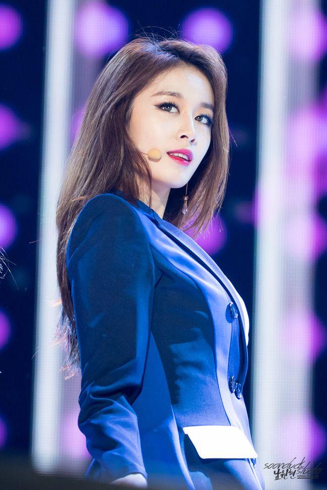 Jiyeon (T-ara) xinh đẹp như tiên nữ trong loạt fancam đào mộ - Ảnh 1.