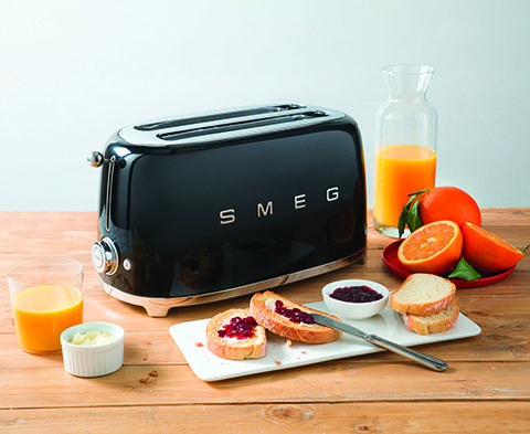 TSF02BLUK   Smeg UK 4 Slice Toaster, 2 large slots, in Black ONLY AVAILABLE FROM SELECTED DEALERS