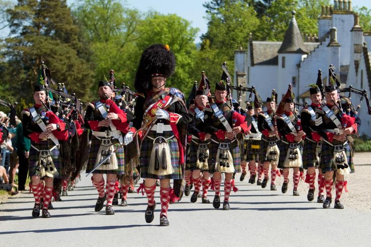 The Highland Games - Atholl Highlanders Parade Blair Castle