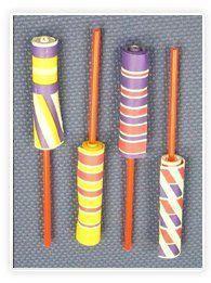 Le yoyo serait une invention chinoise. Celui-ci, en papier, est un peu différent du yoyo que l'on connait mais tout aussi amusant et surtout très facile à réaliser avec les enfants.