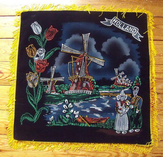 Souvenir de Hollande/couverture de coussin environ 17 pouces carrés noir velours avec moulins à vent, tulipes, Costume hollandais
