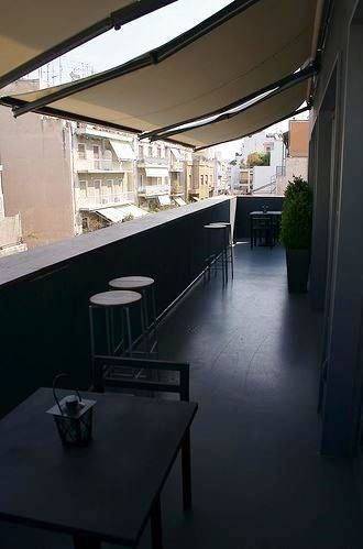 Periscope's exclusive balcony is ideal for some day or night time lounge! #balcony #yeshotels #periscopehotel Photo credits: https://www.flickr.com/photos/feebo/