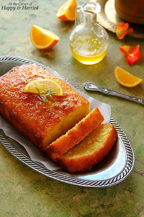 ORANGE POUND CAKE - HAPPY&HARRIED. A delicious #pound #cake bursting with fresh #orange flavors is the perfect way to bring a spot of sunshine to your #Holiday table! #happyandharried #dessert #Christmas #recipe
