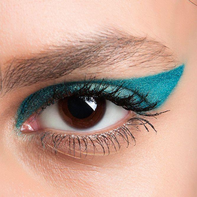 Рассказываем о прическах и макияже, которые будут на пике популярности в ближайшие три месяцы.