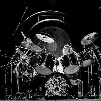 Roger Taylor Of Queen Drumbeat Roger Taylor Queen Queen Drummer