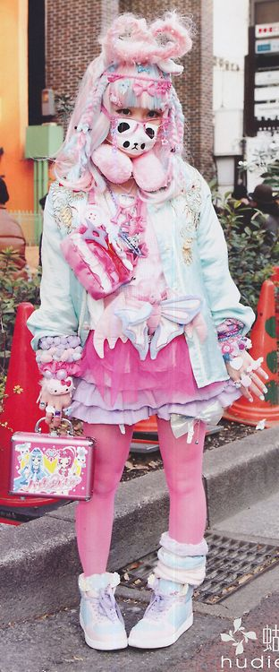 Decora, fairy kei's mental sister. But just look at the Precure lunch box!!!