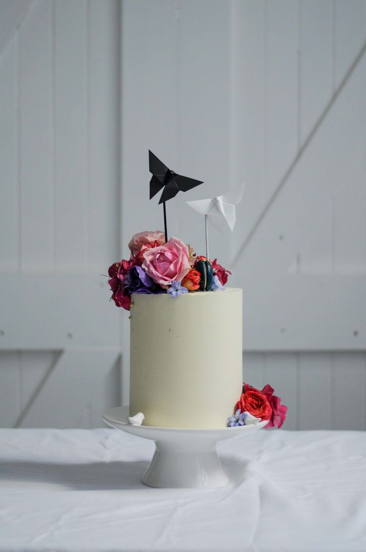 Wedding cake with Origami by LionHeart