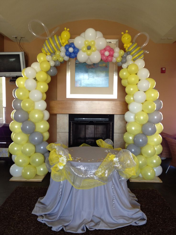 Baby shower bee themed balloon arch balloon decor for Baby shower decoration ideas with balloons
