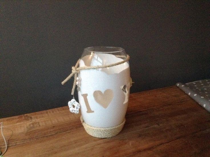 DIY Mother's Day Present idea Vase. Doe-het-zelf Moederdag  Cadeau idee Vaas www.FeltAtHome.nl