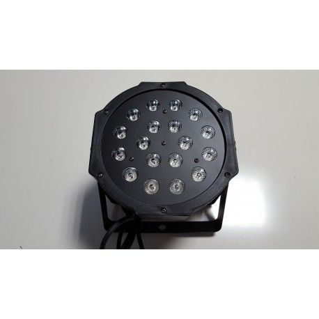 Projecteur à LED RGB = 29 € Puissance : 1 w  18 leds(6 rouge, 6 vert, 6 bleu) Modes : DMX, automatique, musical