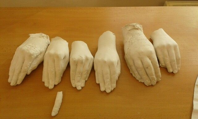 ruce ze sádry