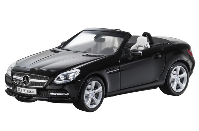 SLK-Class obsidian black - B66960514 Model of Mercedes-Benz SLK-Class Roadster, in various genuine metallic colours. Diecast metal. Detailed scale 1:18 miniature. High-quality printed and flock-lined interior. Doors, bonnet and boot open.