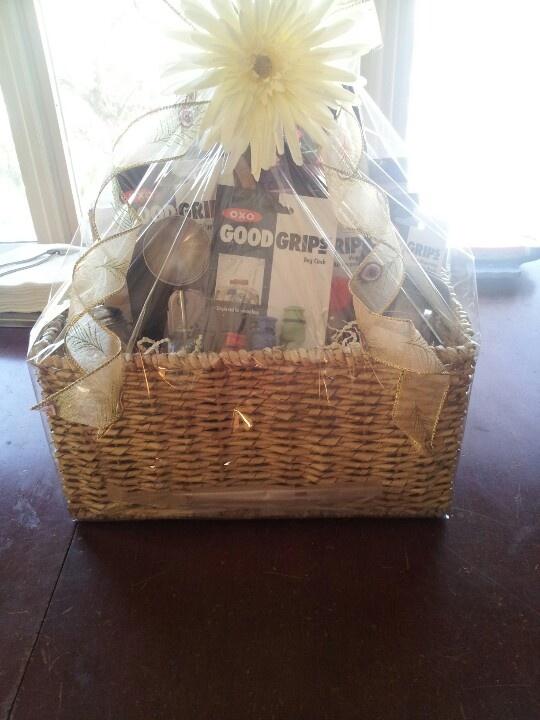 Wedding Gift Basket Items : about Bridal Gift Baskets on Pinterest Bridal shower gifts, Bridal ...