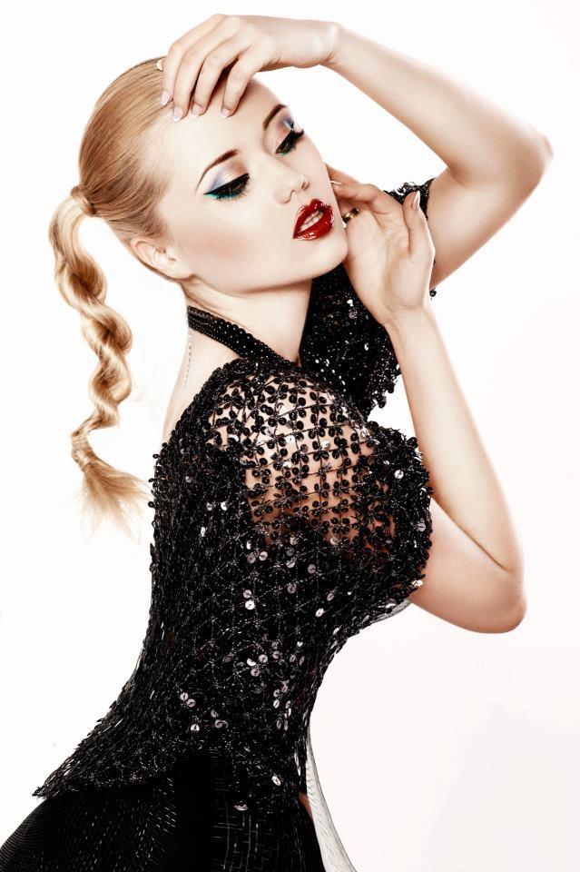 Photo: Aleksandra Zegarowska   Pracownia Fotografii Artystycznej EFEMERIA   Model: Roksana Ostrowska   Mua: Marta Wiola Make-up   Hair: Kok i Spinka   Style: Madame Chic