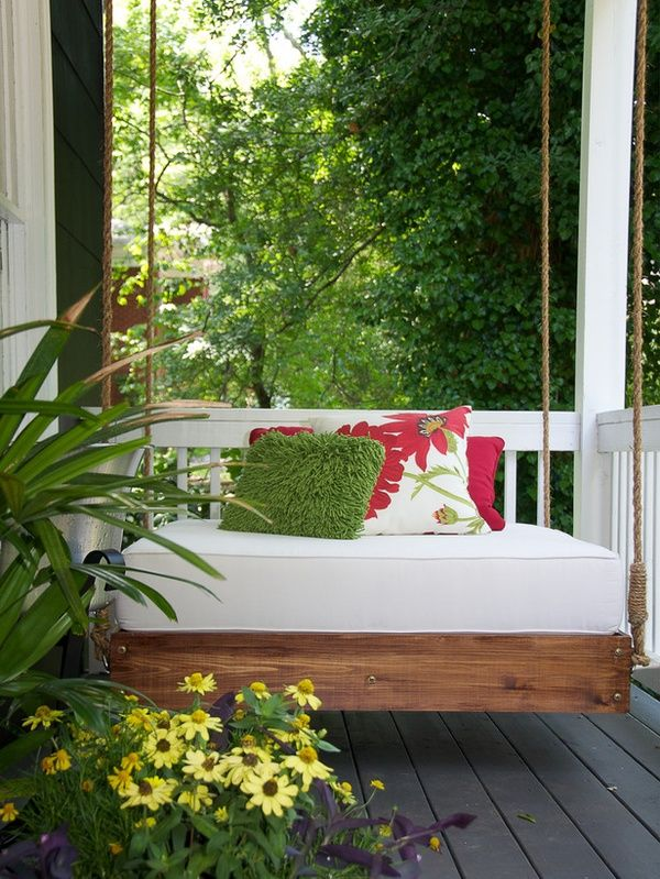 Ahhhhh.....would be nice to nap on a beautiful spring day.:)  #outdoor-projectsShabby Chic Decor, Porch Swings, Decor Ideas, Hanging Beds, Outdoor Room, Front Porches, Porches Swings, Outdoor Projects, Swings Beds