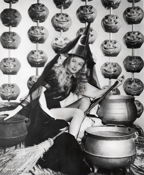 STRANGE OLDE HALLOWEEN FUN FROM THE GOOD OLD DAYS