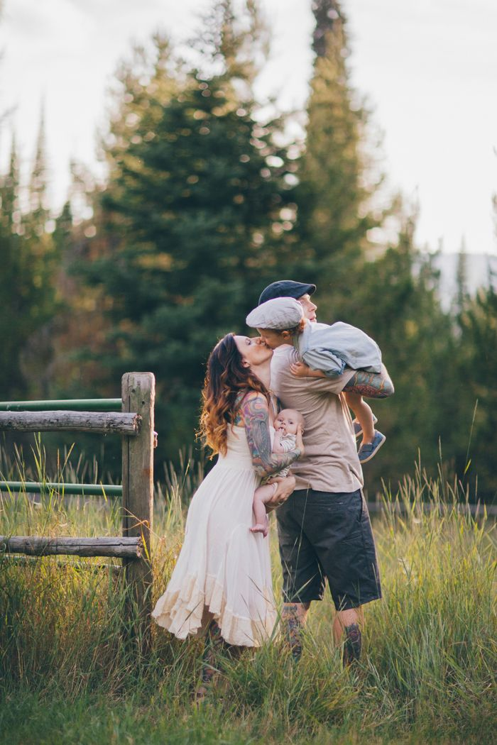 The Ford Family, celebrating LIFE (in Montana)! | Wildflowers Photography I love every thing about this family sess