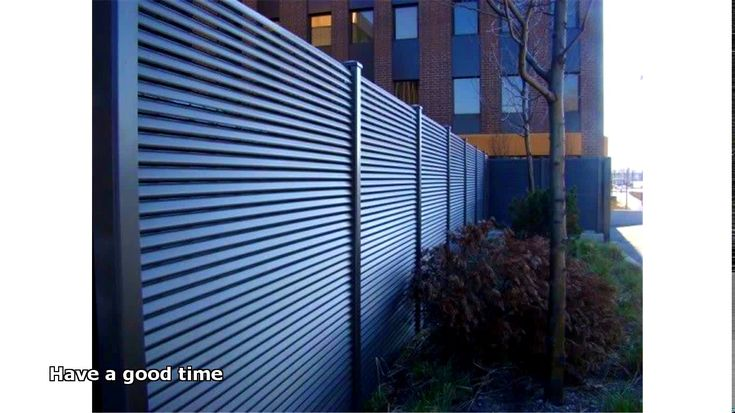 Horizontal Front Yard Fence