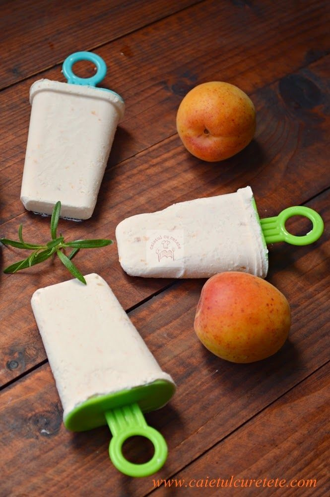 CAIETUL CU RETETE: Inghetata de caise cu iaurt