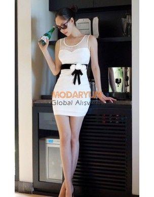 beyaz mini elbise http://modaryum.com/elbise/38-gul-fiyonklu-beyaz-mini-elbise.html