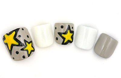 Star toe nail art idea