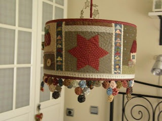 Quilted lamp shade