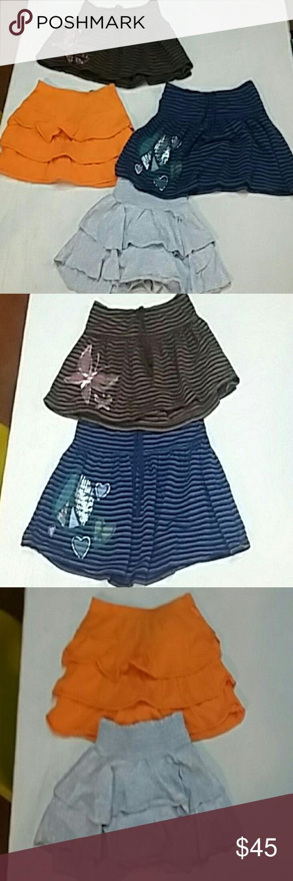 huge lot of girls size 7/8 summer clothes. lot includes: sz 7 mudd Jean shorts sz 8 So yellow short sz 8 blue plaid justice skirt blue shorts in picture are no longer included 2 children's Place tank tops 1 Gap kids tank top 2 plaid children's Place shorts size 8 orange children's Place skort size 8 2 old navy striped skirts size m 8 one gray size small 8 skort  So  1 med 8 old navy pink t shirt 1 med 8 turquoise with hearts t shirt  comes from a smoke free home. these are used, we have…