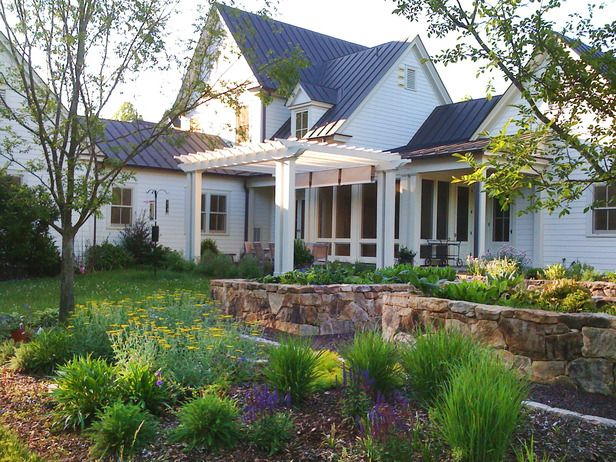 Landscaping Around An Old Farmhouse : Images about tuinmaak idees vir n groot tuin on