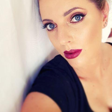 "EloiseRose💋 (@eloisefair) on Instagram: ""Love a dark bold lip 💋💄actually I love pretty much all lip shades 😉 - #lashes #wingedeyeliner…"""